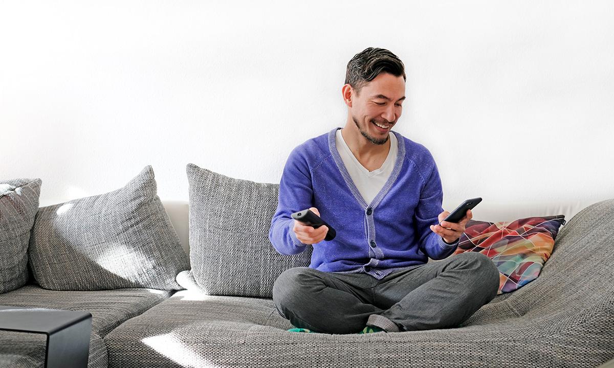 高年齢層に向けたデジタルマーケティングの有効性は?─ ABEMAのMF2層以上におけるテレビCM効果への補完事例